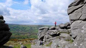 """Die Dartmoor Felsen heißen """"Tors"""""""