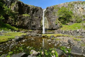 Wasserfall am Loch na Keal