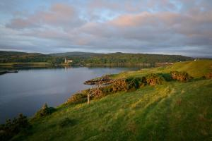 Dunvegan Castle im Abendlicht, Skye Fotoreise