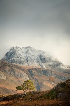 Schneewolken über Slioch, Loch Maree, Torridon Fotoreise