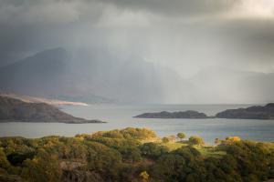 Sonnenschauer über Loch Torridon
