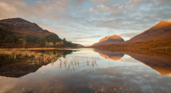Spiegelung bei Sonnenaufgang, Loch Clair, Torridon Fotoreise